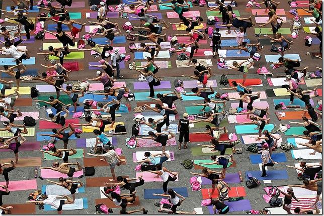 99302310MT007_Mass_Yoga_Cla